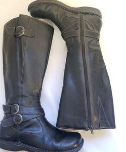b.o.c. Born boots